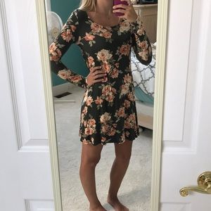Floral T-shirt dress | long sleeves